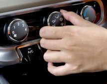 Manutenção da direção hidráulica de veículos Ford